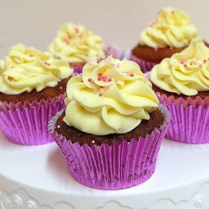 raspberry white choc cupcakes